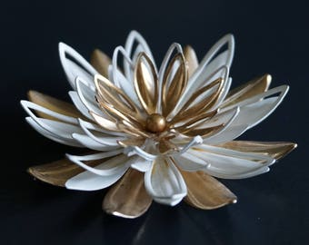 Stunning Sarah Coventry Signed Vintage  Brooch // Vintage Jewellery// Sarah Coventry // Gifts for Her // 1960s Jewellery.