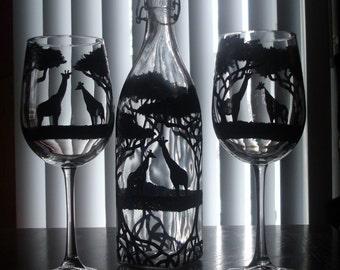 giraffe carafe with 2 wine glasses