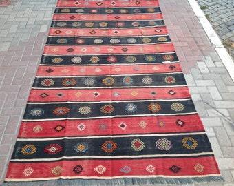 Black and red kilim, Striped rug,  118'' x 62.5'' Vintage Turkish kilim rug, area rug, kilim rug, kelim rug, vintage textile, Turkish, 536