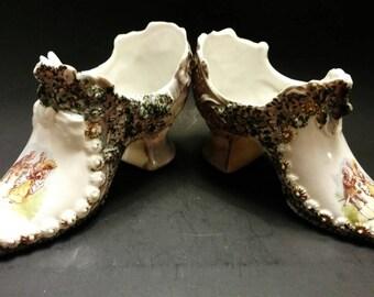 Antique Victorian Collectible George & Martha Washington Porcelain Shoes (122-2)