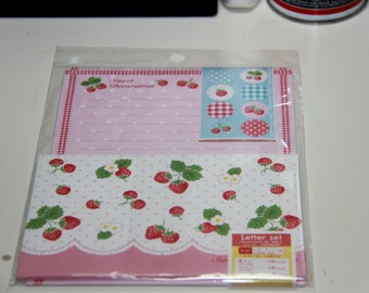 Fast Shipping Brand New Kawaii Strawberry Letter Set of 12 Sheets & 6 Envelope Memo sheets