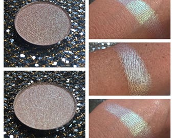 ATOMIC RAIN - Pressed Eyeshadow/ Highlight Pigment - Chameleon color shifting Green to Blue / Purple