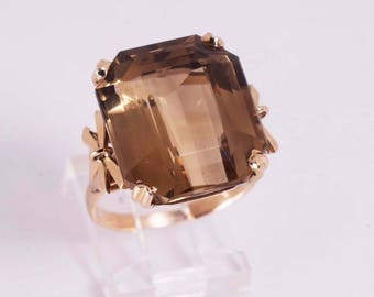 14K Yellow Gold Large Brown Topaz Ring, size 7