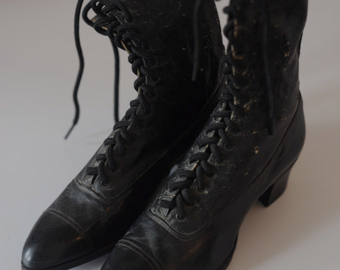 Victorian Edwardian Women's lace up boots