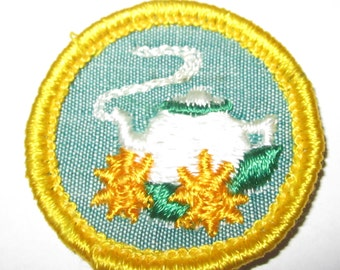 """Vintage Cadette Girl Scout Badge """"Hostess"""" circa early 1960's"""