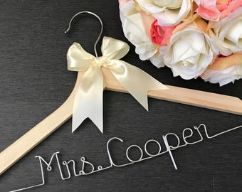 Wedding Dress Hanger - Personalized Wedding Hanger - Mrs Hanger, Name Hanger - Bride Dress Hanger - Hanger with Wire Name - Custom Hanger