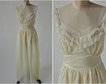 Vintage Art Deco 30's/40's Nightgown Buttercup Yellow Trousseau by Terris Lace Bias Cut size Small