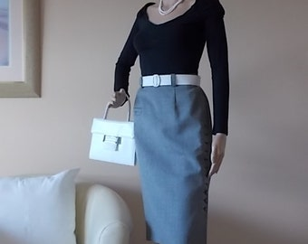 French Parisian Skirt, Ladies Clothing, French Grey Skirt, Size UK 12, 100% Wool, Lined, Front Detail Buttons, Back & Front Splits, Vintage.