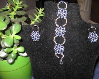 set pinwheel blue bracelet and earrings