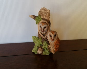 Vintage Owl Figurine - 6 inch Tall. Ceramic, Made in Taiwan. Very good condition