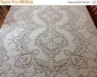On Sale Vintage Ivory Lace Tablecloth Vintage Lace Table Cloth Quaker Lace  Table Cloth