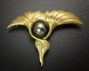 18K gold brooch, Japanese art brooch, eternal love brooch, two cranes with a black pearl