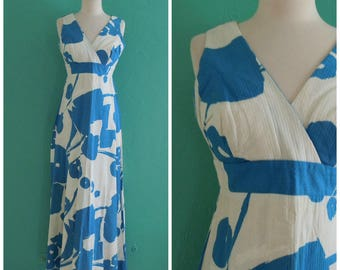 60's floral blue white maxi dress // abstract print textured maxi dress