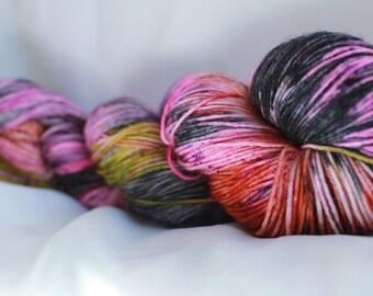 MASS CONFUSION -Speckled super wash merino nylon sock 100 grams 463 yds 75, 25