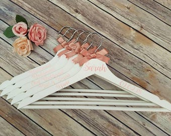 SET OF 5 - Bridal Party Hangers - Wedding hangers - bridesmaid gift - maid of honour gift - weddings - Wedding accessories - bride