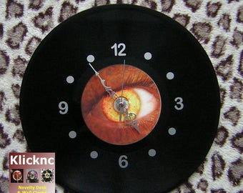 Alien Eye Clock