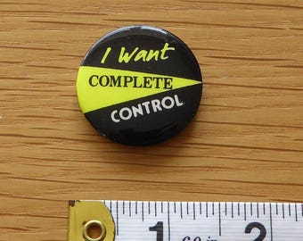 The Clash, (Complete Control), PUNK ROCK, Vintage 1970s Promo Tin Badge/Button