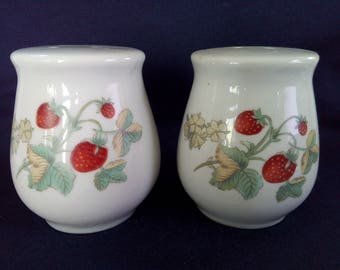 Vintage Strawberry Ceramic Salt and Pepper Shakers Strawberries and Leaves Matching Pair
