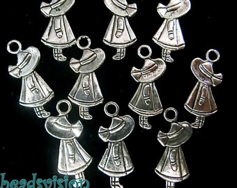 10Pcs of charms girls S095