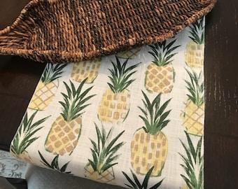 Pineapple Home Decor  | Pineapple Table Decor | Pineapple Table Runner | Party | Summer Table Runner | Pineapple Decor | Summer Table Decor