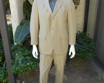 Vintage 1970's Brooks Brothers Khaki Poplin Sack Suit - Size 42/44