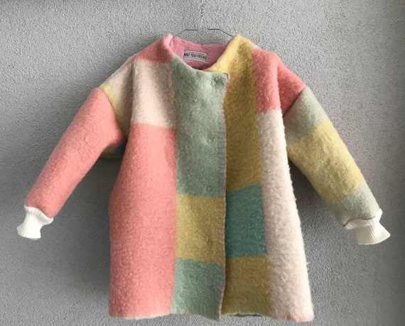 Girls jacket, blanket coat made of a vintage wool blanket in pastels, size 98