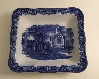 Shredded Wheat Dish By George Jones and Sons Ltd Circa 1910, Blue & White