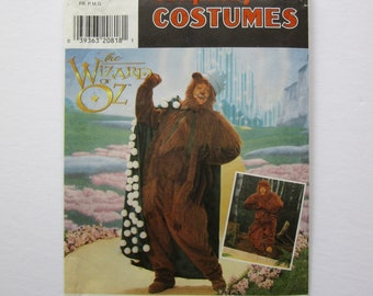 Wizard of Oz, Cowardly Lion, costume pattern, Simplicity #7833, Adult size, Uncut