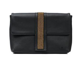 Oversize Leather Clutch Martinea Black and Gold - Wixárika Mexican Art