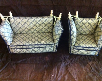 Dolls House 1/12th Knole sofa and chair.