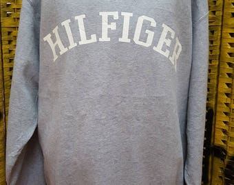 Vintage TOMMY HILFIGER /big logo spell out / Medium size on tag (fit to Large and Xlarge size) (Q055)