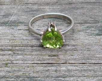 Handmade Triangle Faceted Peridot Gem Sterling Silver Ring