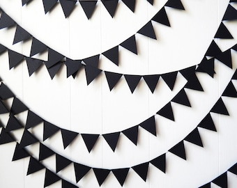 Black Triangle Bunting / Black Flag Garland / Adjustable Bunting / Photo Prop / Wedding Decor