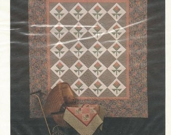 Thimberries – Baby Rosebuds – Pattern for a Full Size and Miniature Quilt - In New Condition