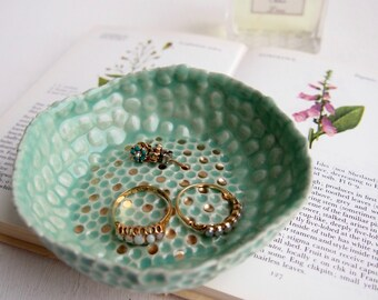 Turquoise ceramic ring dish with gold dots, jewellery dish, catchall, greenery ring dish, ring dish, plate, ring holder, ceramic dish