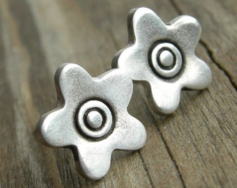 Sweet Clara Earrings Flower Spring Fashion Post