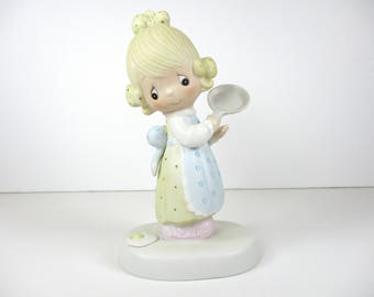 Vintage Precious Moments Eggs Over Easy Figurine - Precious Moments - Figurine - Enesco - Porcelain -  Knick Knack - Gift For Her  - Gift