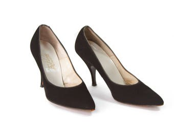 1950s High Heels // Black Suede Pointed Toe High Heels by House of Pierre