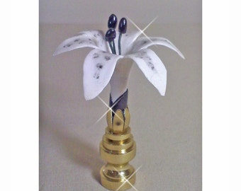 Lilly Lamp Finial  Black and White
