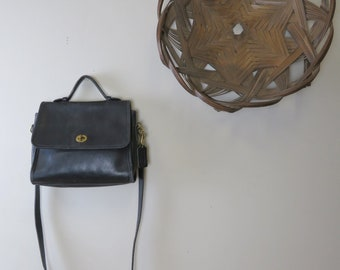 Vintage Coach Black Top Handle Shoulder Bag Twist Lock No. 0129-214