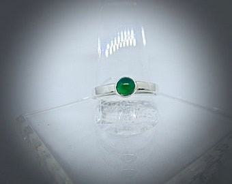 Sterling silver ring with green onyx