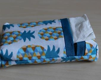 Pocket squares - pineapple - washable motif case