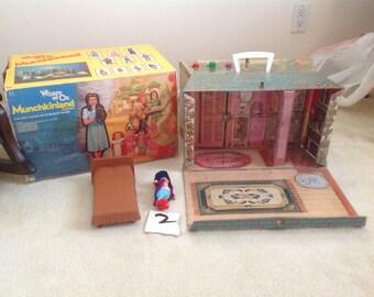 Wizard of Oz Munchkinland house Playset Mego