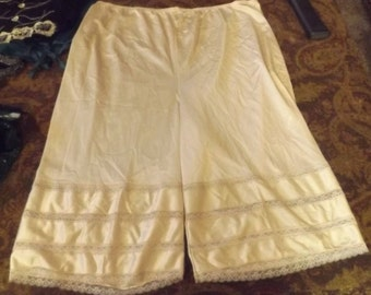 Vintage Off White Cream Culotte Slip Plus Size 1X