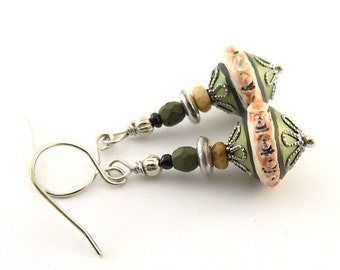Handmade Polymer Clay Earrings, Polymer Earrings, Wire Earrings, Boho Earrings, Artisan Earrings, Small Earrings, Green Earrings, AE185