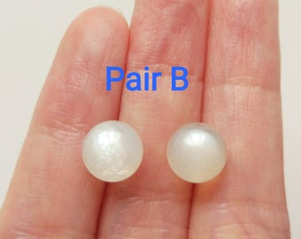 AA Grade Glowy White Moonstone Half Top Drilled Smooth 8 mm Rounds One Pair J6581