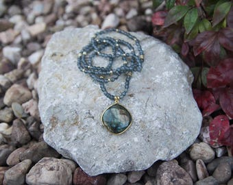 Dark jade necklace with labradorte pendant