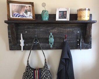 Hand-Crafted Pallet Coat Rack!