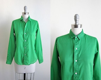 1960s vintage kelly green button down long sleeve top shirt blouse  m