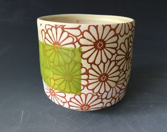 Lt. Green and White Daisy Cup (no handle) with Green Stripe